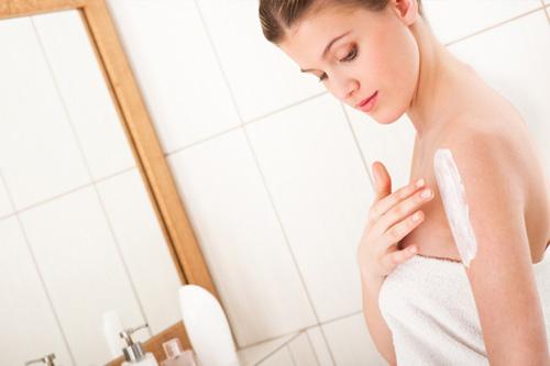 Sau khi tắm trắng làn da cần được chăm sóc và bảo vệ cẩn thận