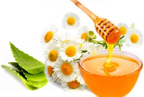 Dưỡng trắng da hiệu quả tại nhà bằng nha đam, mật ong