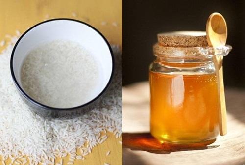 Thoa hỗn hợp nước vo gạo, mật ong mỗi ngày giúp vải thiện làn da sáng