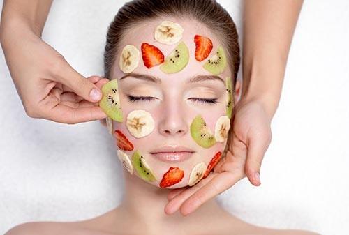 Đắp mặt nạ từ thiên nhiên giúp làn da được cung cấp đủ dưỡng chất