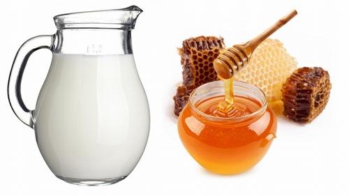 Dưỡng trắng da tay bằng hỗn hợp mật ong, sữa tươi là phương pháp làm đẹp hiệu quả tại nhà