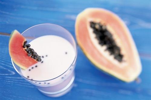 Sữa chua đu đủ chứa nhiều dưỡng chất đem đến khả năng dưỡng trắng da hiệu quả