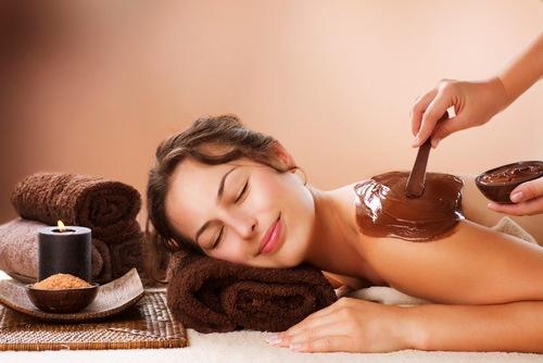 Thoa bã cà phê, mật ong lên da mỗi ngày giúp làn da được cải thiện rõ rệt