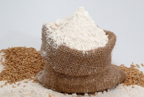 Cám gạo chứa nhiều dưỡng chất đem đến khả năng dưỡng trắng tại nhà