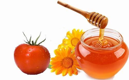 Dưỡng trắng da bằng hỗn hợp cà chua mật ong là phương pháp đơn giản dễ thực hiện tại nhà