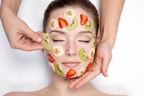 Đắp mặt nạ đúng cách giúp làn da chị em trở nên sáng khỏe, săn chắc tự nhiên