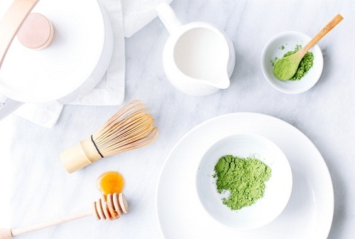 Tắm trắng bằng bột trà xanh, sữa tươi mỗi ngày giúp màu da được cải thiện rõ rệt