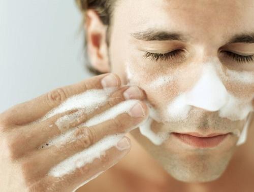 Chọn rữa rửa mặt phù hợp sẽ giúp da sáng khỏe dễ dàng.