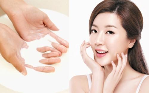 Tận dụng nước vo gạo để dưỡng trắng da tại nhà.