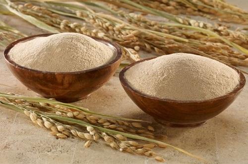 Cám gạo chứa nhiều dưỡng chất đem đến khả năng làm trắng da tại nhà