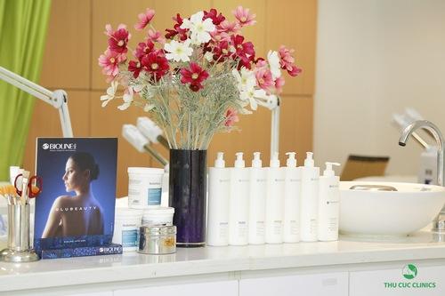 Đặc biệt, các sản phẩm sử dụng trong suốt quá trình điều trị đều là những loại cao cấp, chiết xuất từ thiên nhiên, giúp cho hiệu quả điều trị tăng gấp nhiều lần thông thường.