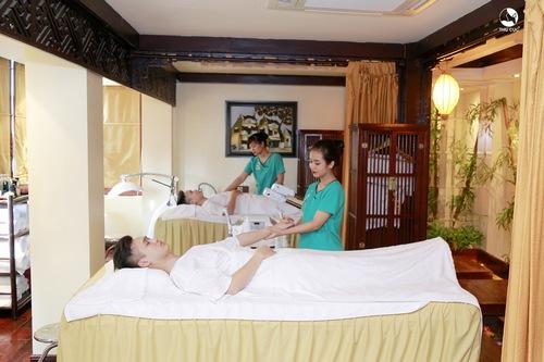 Khách hàng trải nghiệm dịch vụ thư giãn tại Thu Cúc Clinic Thanh Hóa.