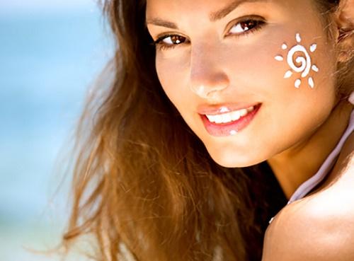 Chống nắng cẩn thận để hiệu quả làm đẹp khi tắm trắng cám gạp được duy trì giài lâu.