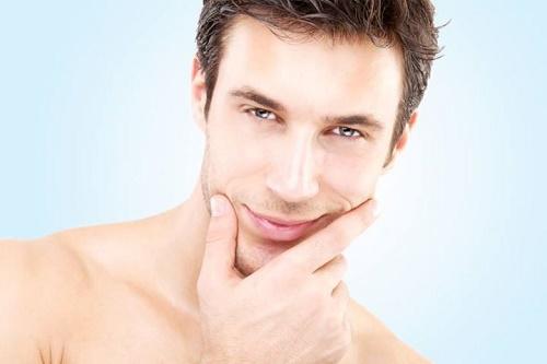 Sở hữu gương mặt trắng sáng giúp các chàng tự tin hơn trong cuộc sống.