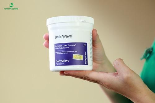 Sản phẩm Bellewave cao cấp được dùng để tắm trắng cho khách hàng.