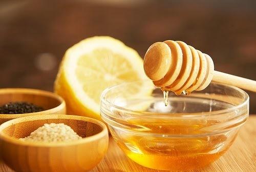 Sử dụng hỗn hợp đường chanh mật ong, vấn đề violong rậm rạp chỉ còn là chuyện nhỏ