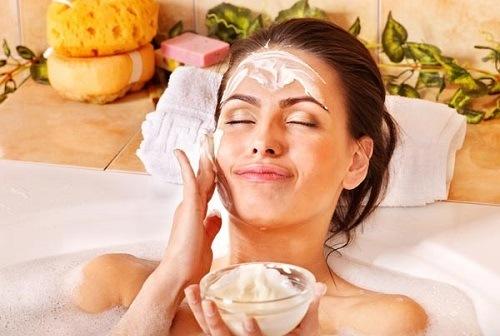 Không chỉ có tác dụng dưỡng trắng da, nước gạo xay còn có tác dụng trị viêm nang lông hiệu quả