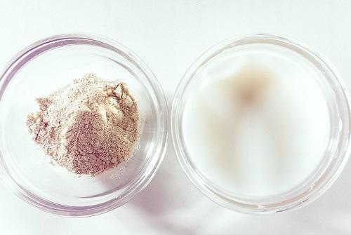 Thoa hỗn hợp sữa tươi, bột đậu nành lên da có khả năng làm mềm nang lông