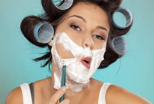 Cạo lông mặt đúng quy trình giúp làn da tránh được những tổn thương