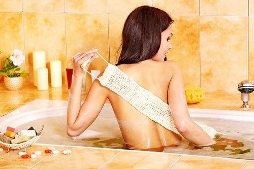 Tắm trắng bằng mật ong là phương pháp làm đẹp hiệu quả an toàn