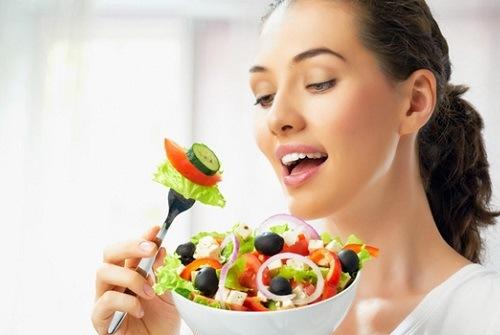 Bổ sung chế độ dinh dưỡng phù hợp giúp làn da sáng khỏe từ bên trong