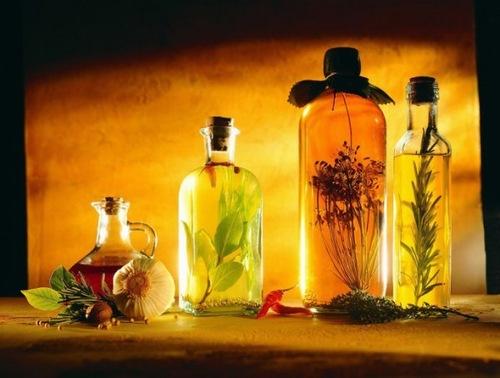 Các loại dầu thiên nhiên có tác dụng dưỡng da rất tốt.