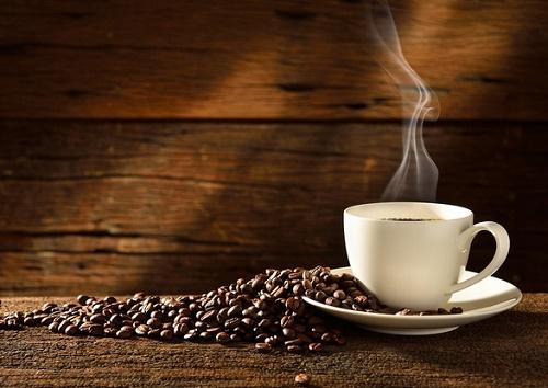 Sau khi thưởng thức những ly cafe thơm ngon, đừng quên giữ lại bã để làm đẹp