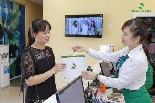 Triệt lông tại Thu Cúc Clinics khách hàng sẽ cảm thấy hài lòng về chất lượng chăm sóc khách hàng tại đây