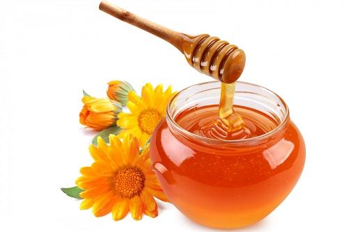 Tắm trắng bằng mật ong là phương pháp làm đẹp đơn giản