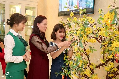 Ngoài việc tặng Voucher giảm giá dịch vụ, Thu Cúc Clinics còn nhiều phần quà hấp dẫn dành tặng khách hàng dịp khai Xuân.
