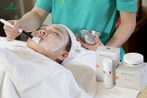 Thu Cúc Clinics hiện tiếp nhận và áp dụng đa dạng liệu pháp dưỡng trắng da hiện đại