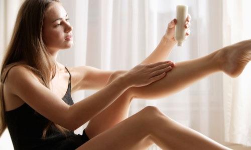 Kem tẩy lông cũng là giải pháp được nhiều chị em lựa chọn.