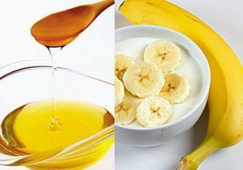 Chuối, mật ong, sữa đều là những nguyên liệu làm đẹp rất tốt từ tự nhiên được chị em tin dùng