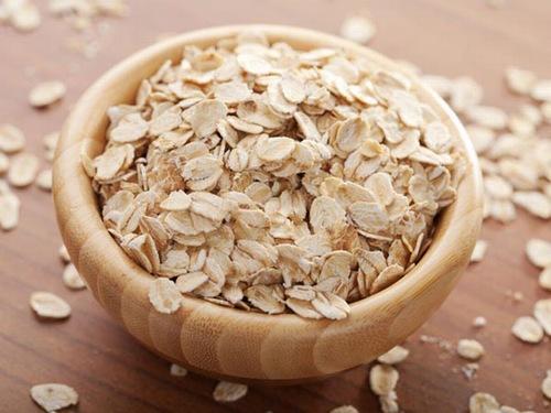 Bột yến mạch chứa nhiều dưỡng chất có tác dụng trị viêm nang lông