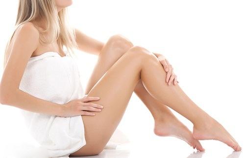 Vệ sinh da chân sạch sẽ giúp hấp thu tối ưu các dưỡng chất từ mật ong