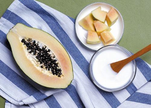 Không chỉ lại bỏ lông nhanh chóng, hỗn hợp đu đủ và sữa tươi còn có tác dụng dưỡng da hữu hiệu.