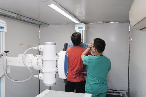 Người dân Thanh Hóa đã được các bác sĩ và chuyên gia đầu ngành thăm khám tầm soát ung thư miễn phí.