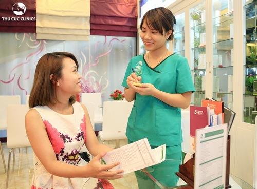 Trước khi triệt lông bằng công nghệ cao, chuyên viên sẽ thăm khám tư vấn giúp khách hàng đưa ra liệu trình điều trị phù hợp, hiệu quả