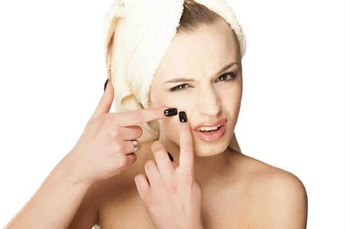 Mụn - khắc tinh của làn da, nhất là khi thời tiết giao mùa nóng ẩm
