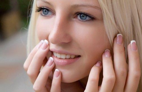 Chỉ nên thực hiện triệt lông mặt khi da khỏe mạnh.