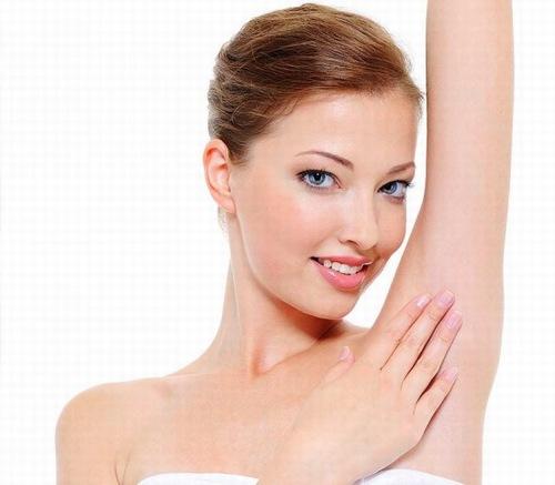 Sử hữu làn da dưới cánh tay mịn màng thoáng mát giúp chị em tự tin khoe cá tính