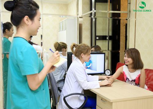 Đến với Thu Cúc Clinics, khách hàng sẽ được bác sĩ công nghệ cao trực tiếp thăm khám và tư vấn về liệu trình điều trị, chăm sóc để mang lại hiệu quả tốt nhất
