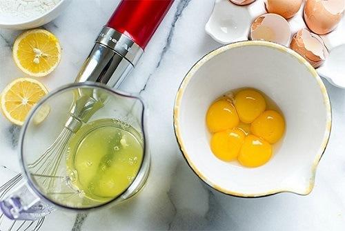 Nước cốt chanh, trứng gà chứa nhiều dưỡng chất đem đến khả năng loại bỏ lông hiệu quả