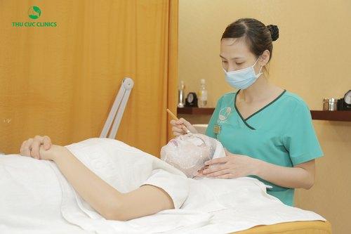 Thu Cúc Clinics dành ưu đãi cực lớn cho các COMBO dịch vụ trẻ hóa da với mặt nạ vi tảo.