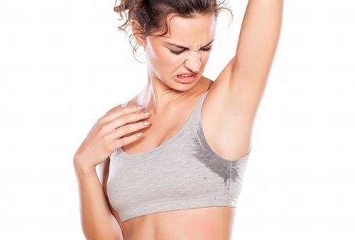 Tránh vận động cơ thể sau khi triệt lông nách tại nhà
