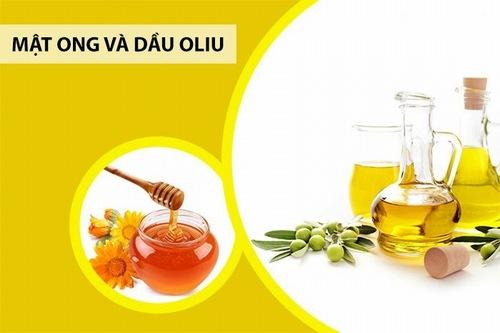 Hỗn hợp dầu oliu, mật ong là một trong công thức trị rạn da hiệu quả