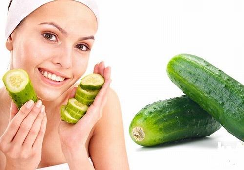 Đắp mặt nạ dưa leo có tác dụng cải thiện làn da thâm sẹo