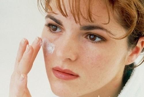 Nám - tình trạng sắc tố da thường gặp ở chị em 30+