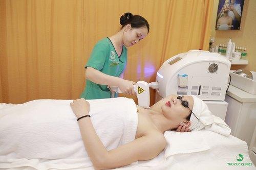 Tẩy lông vùng dưới cánh tay bằng Laser Diode là giải pháp cho hiệu quả tối ưu hơn cả.