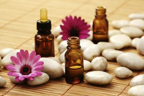 Sự kết hợp giữa các loại tinh dầu mang đến hiệu quả trị rạn da rất tốt
